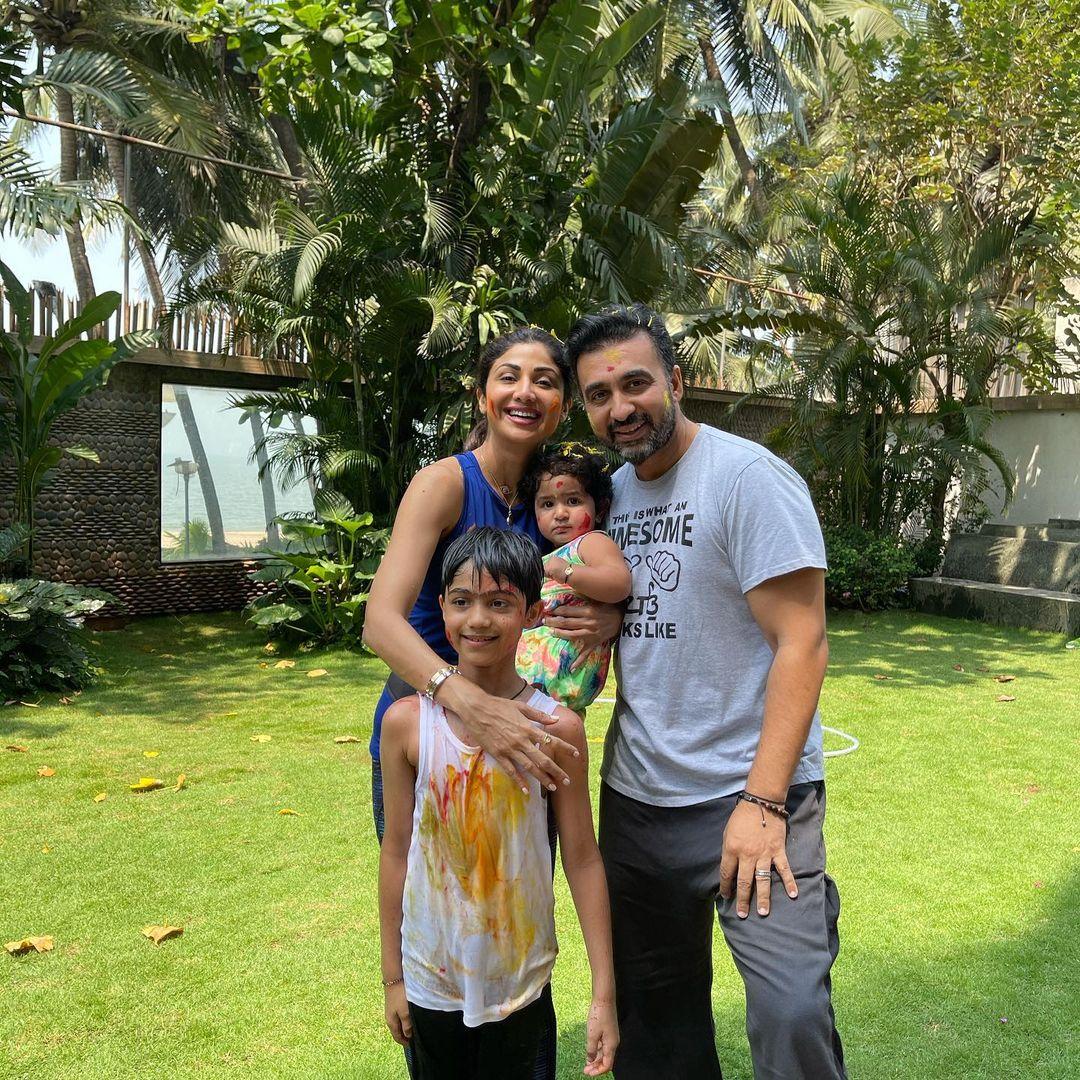 Shilpa Shetty Kundra With Family Photos