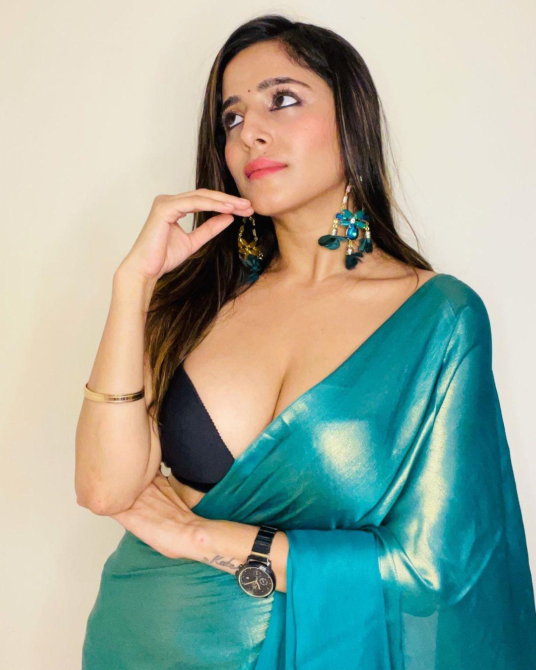 Kate Sharma Hot Images Boom on Instagram